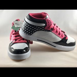 air speed Shoes - Airspeed sneakers - BNWT - Diva, size 10
